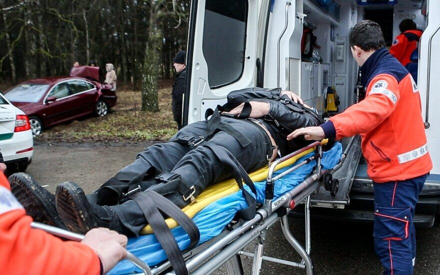 Kraupi savaitė: keliuose žuvo 4 žmonės, o sužeista - 90