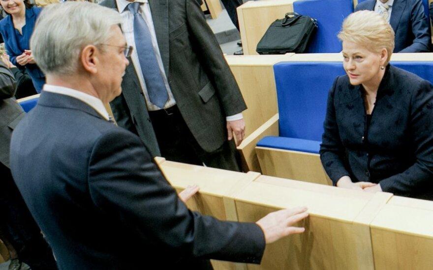 """D. Grybauskaitė paaiškino, kaip Z. Balčytis """"parduotų Lietuvą už sviestą"""""""