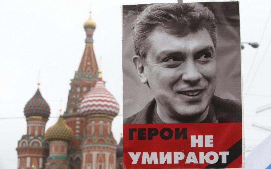 Rusija po B. Nemcovo nužudymo: rublis vėl smunka
