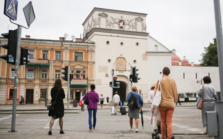 Pasipiktino, kas darosi reprezentacinėje Vilniaus vietoje: kliūčių ruožas ir sąvartynas