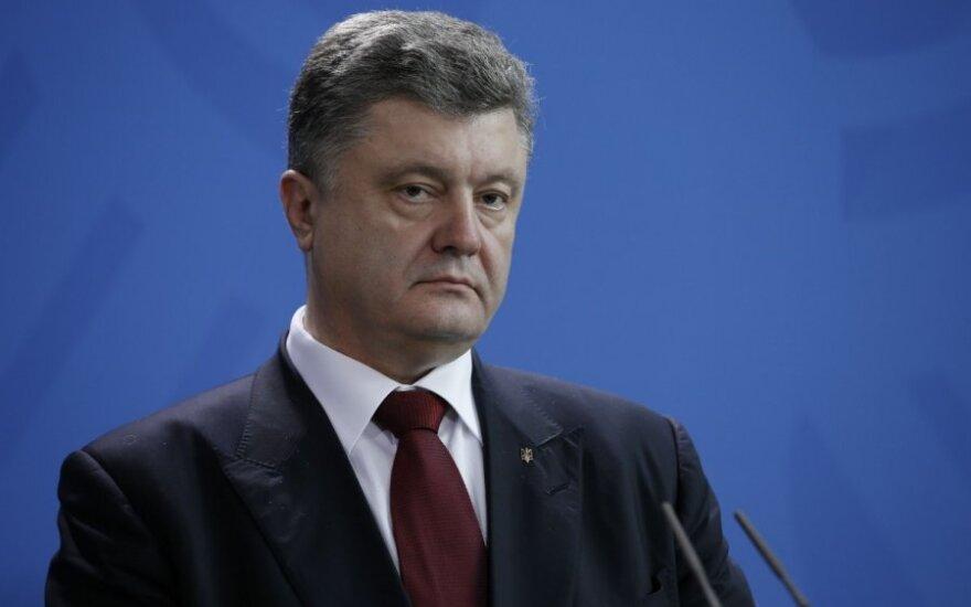 P. Porošenka: TVF patvirtino 1 mlrd. paskolos skyrimą Ukrainai
