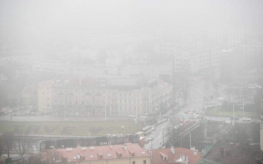 Eismo sąlygas Vakarų Lietuvoje sunkina rūkas