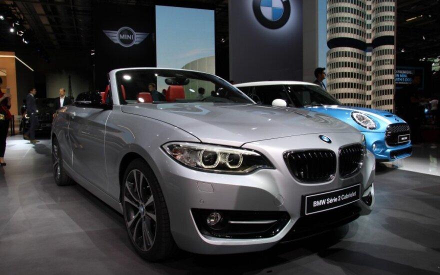BMW 2-serijos karbioletas