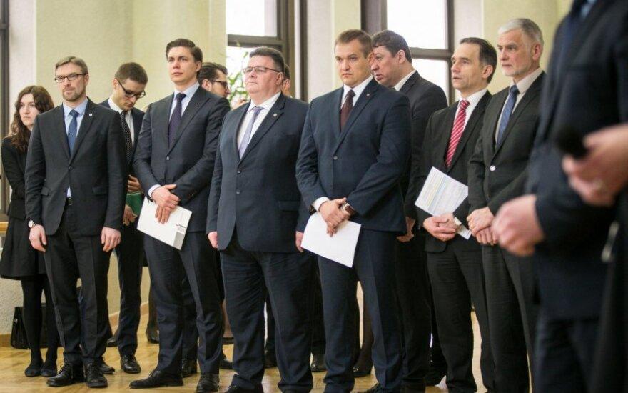 Vyriausybė diskutuos dėl Seimo narių skaičiaus mažinimo ir parlamento rinkimų pavasarį