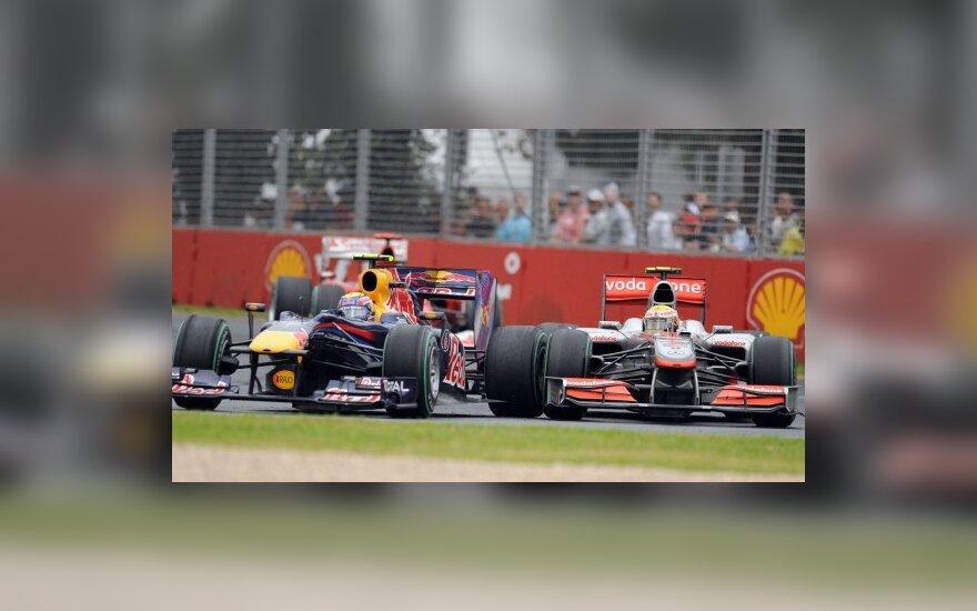 "Markas Webberis (""Red Bull"")  ir Lewisas Hamiltonas (""McLaren"")"