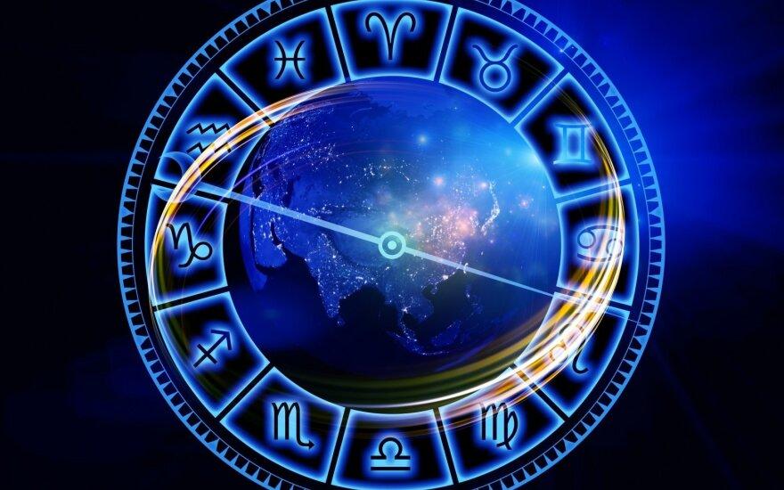 Astrologės Lolitos prognozė sausio 6 d.: kontrastinga žiedinio Saulės užtemimo diena