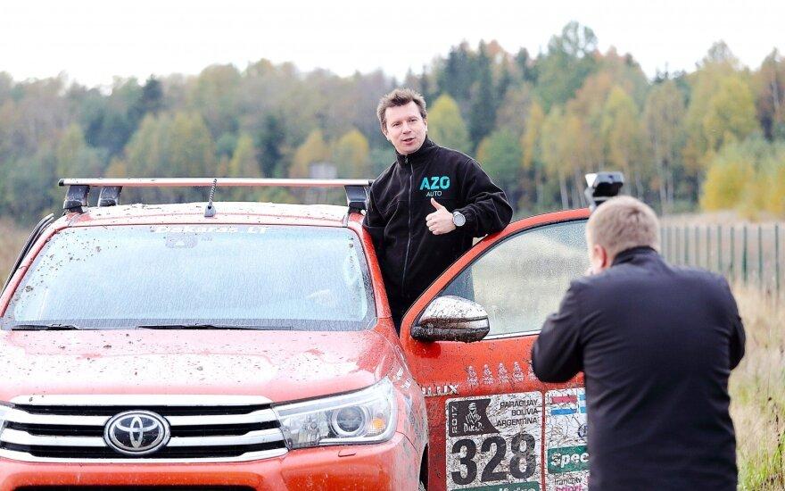 A. Juknevičius surengė rudens vairavimo akademiją