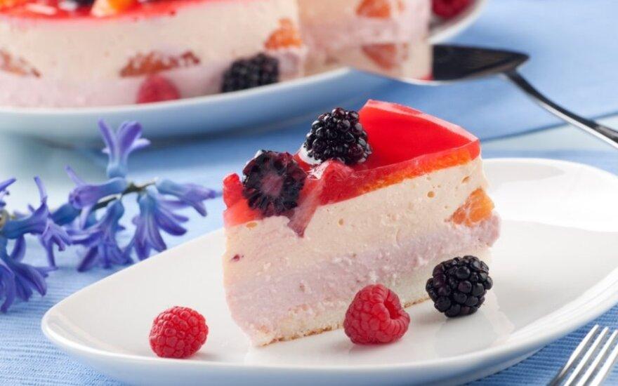 Lengvas tortas – suflė su vaisiais