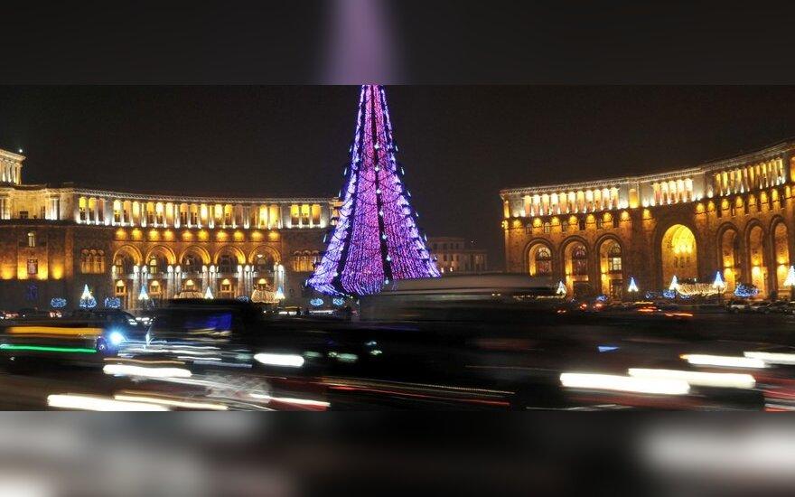 Armėnijoje nėra kam vairuoti autobusų