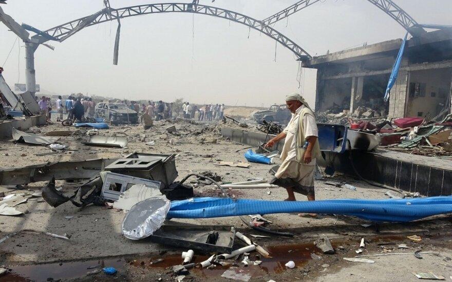 Jemene per aviacijos smūgį žuvo dešimtys sukilėlių ir jų vadų