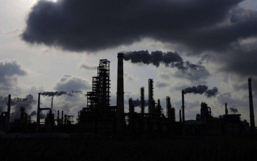 Nerimas dėl konflikto Artimuosiuose Rytuose išplitimo kelia naftos kainas