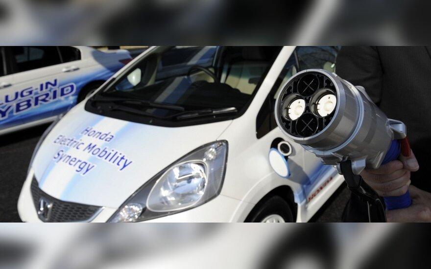 Per 4 metus – 10 tūkst. elektromobilių įkrovimo stotelių Europoje