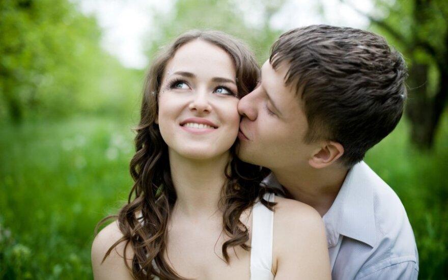 Internetinės pažintys: ko nesitikėti per pirmą pasimatymą