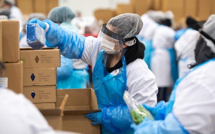 Ruošiasi pasauliui po pandemijos: verslas sparčiai leidžia pinigus gamyklų plėtrai