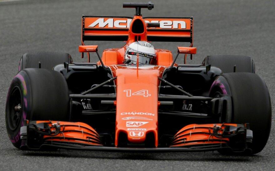 "F-1 ""McLaren"" komandos automobilis"