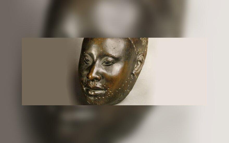Bronzinė Yoruba galva iš Ifės miesto, XII a. http://commons.wikimedia.org