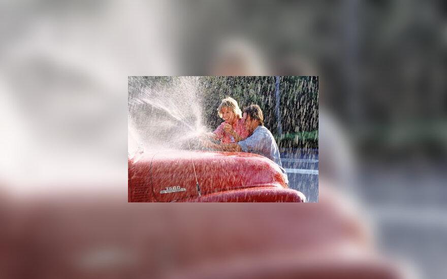 plauti automobilį, pora