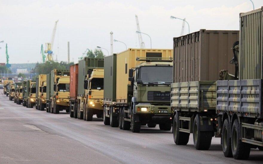 Lietuvos keliuose – NATO karinės technikos kolona