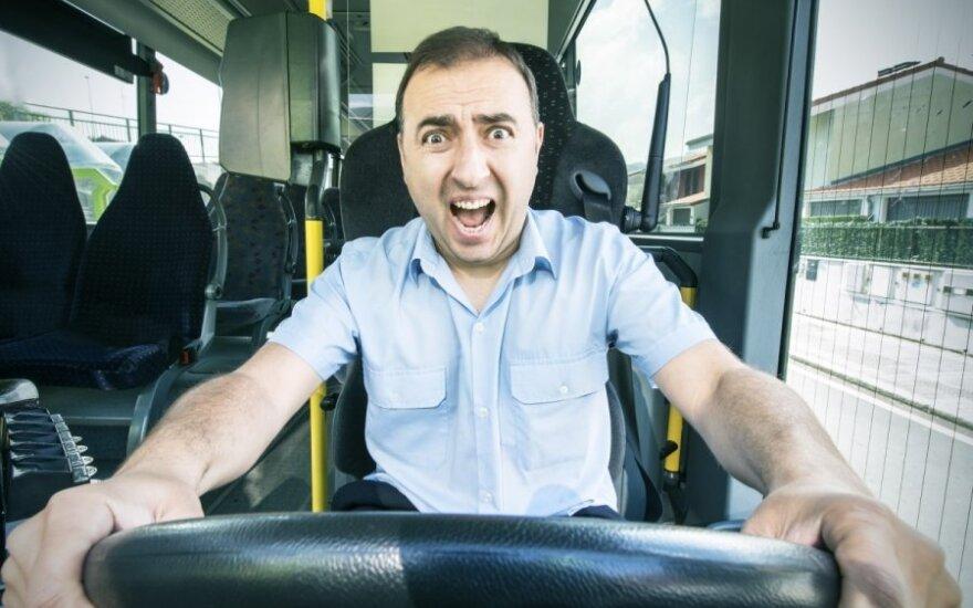 Psichologės patarimai, kaip kelyje susitvarkyti su lėtapėdžiais, žiopliais ir piktybiniais ereliais
