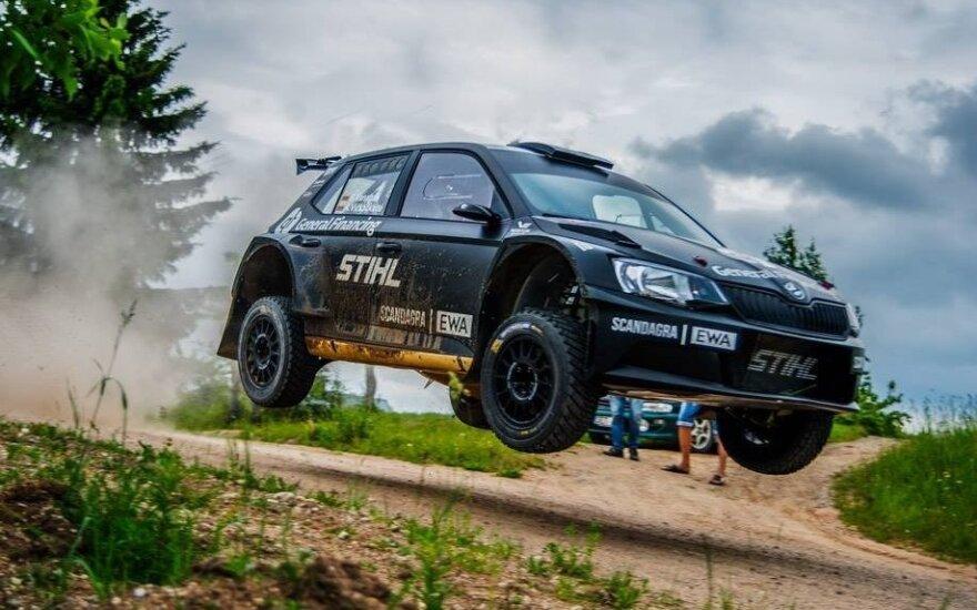"""B. Vanagas šįmet Lietuvos ralio čempionate važiuoja automobiliu, pramintu """"Juoduoju Vaiduokliu"""""""
