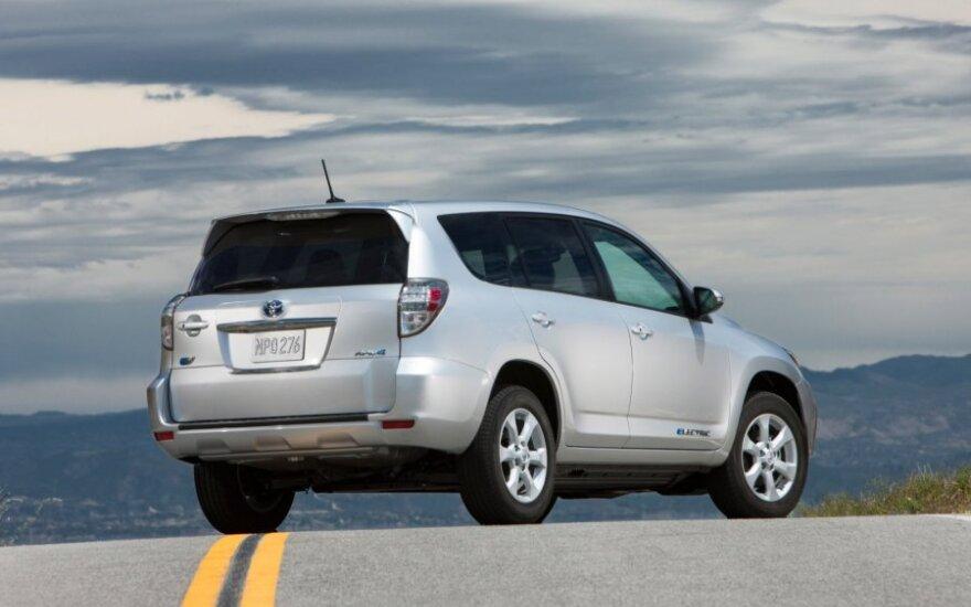 """""""Toyota RAV4 EV"""" elektromobilis"""