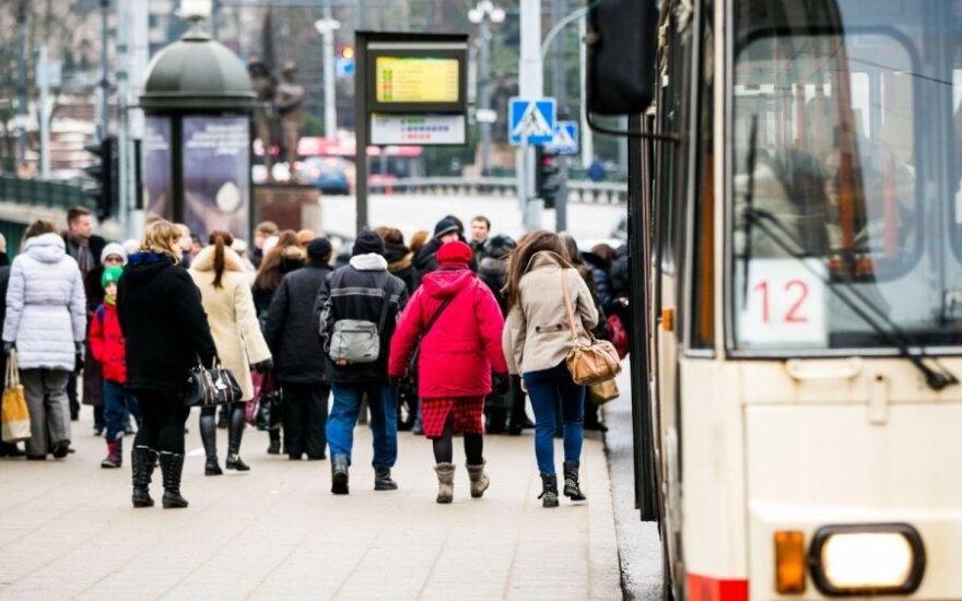 Ką daryti, kad pavojus pasitrauktų iš Vilniaus stotelių?