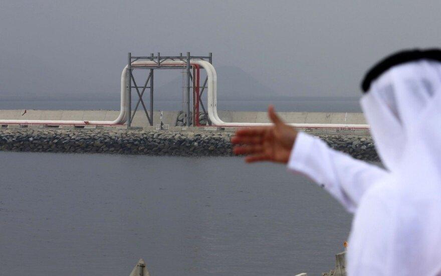 OPEC+ svarsto galimybę 2019 m. gavybą sumažinti 1–1,5 mln. barelių per dieną
