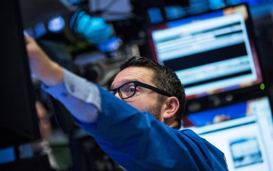 Ekonomistai įvertino, ar pirmadienio nuosmukis – krizės ženklas