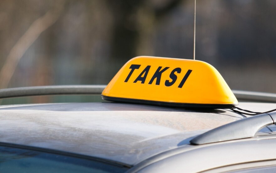 Visiems Kėdainių taksistams darbo nepakanka