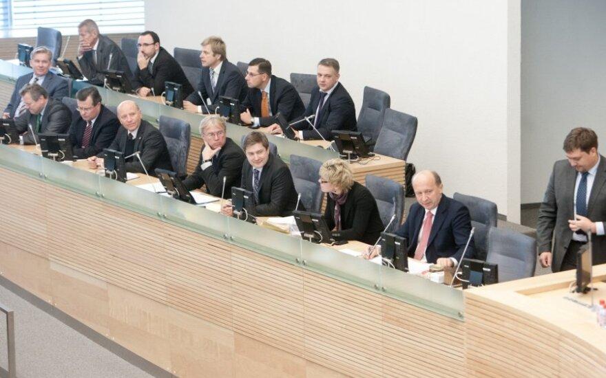 Švedijos ekonomistas: griežta Lietuvos Vyriausybės politika leido išvengti nemokumo