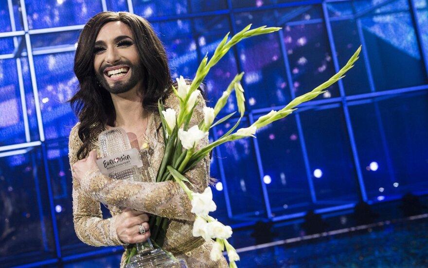 """""""Eurovizijos"""" nugalėtojas atsisveikina su Conchitos įvaizdžiu: dabartinė išvaizda – ne mažiau ekstravagantiška"""