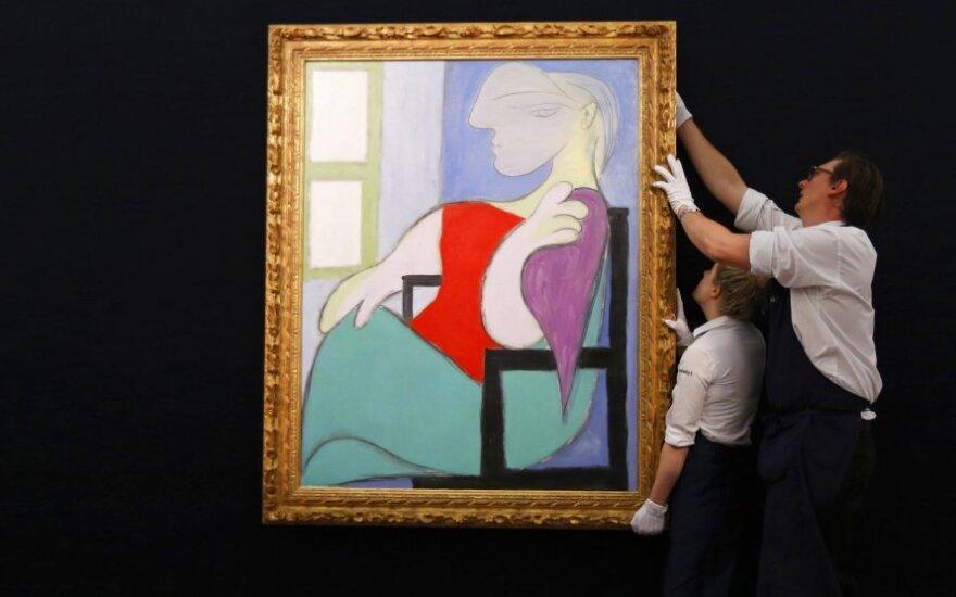 """Pablo Picasso paveikslas """"Moteris, sėdinti prie lango"""" aukcione Londone parduotas už 33 mln. eurų"""