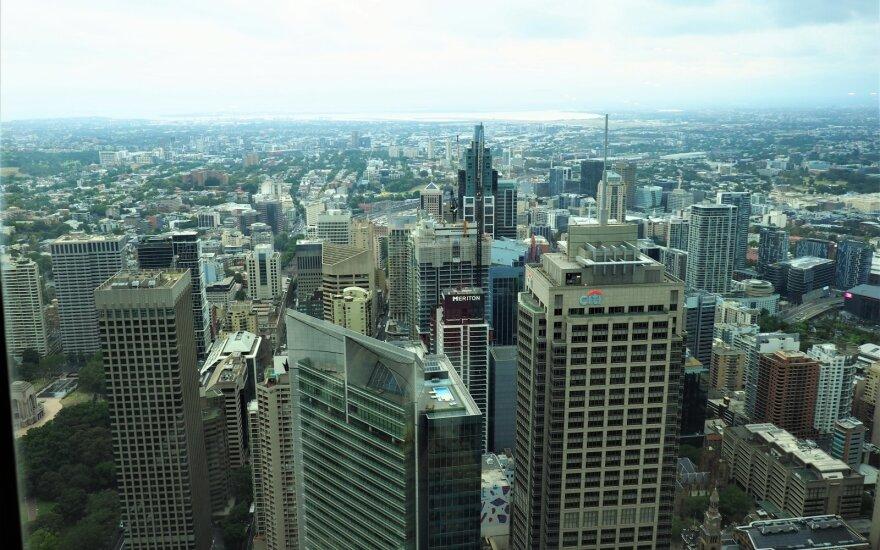 Australijos ekonomika traukiasi, nutraukdama trijų dešimtmečių plėtrą