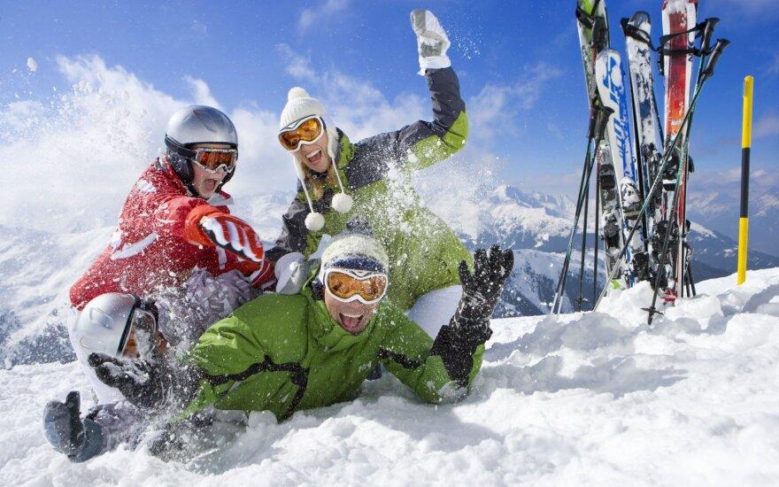 Kad slidinėjimas teiktų tik malonumą: kaip išsirinkti aprangą, šalmą ir akinius