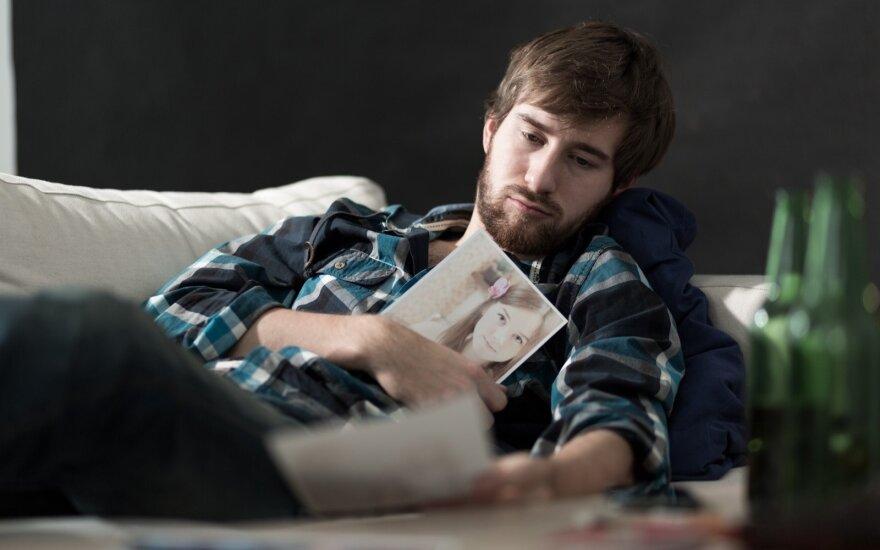 Vyras po skyrybų neranda sau vietos: jaučiuosi miręs viduje ir nežinau, kaip viską ištaisyti