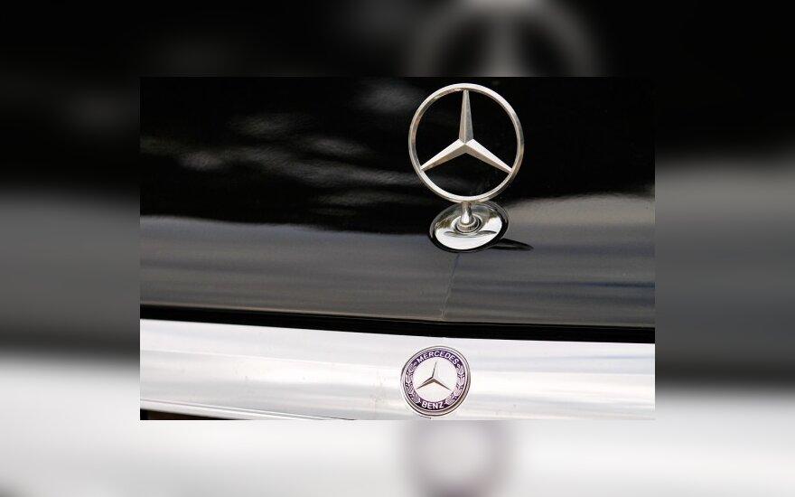 "JAV atšaukiami 85 tūkst. ""Mercedes-Benz"" automobilių"