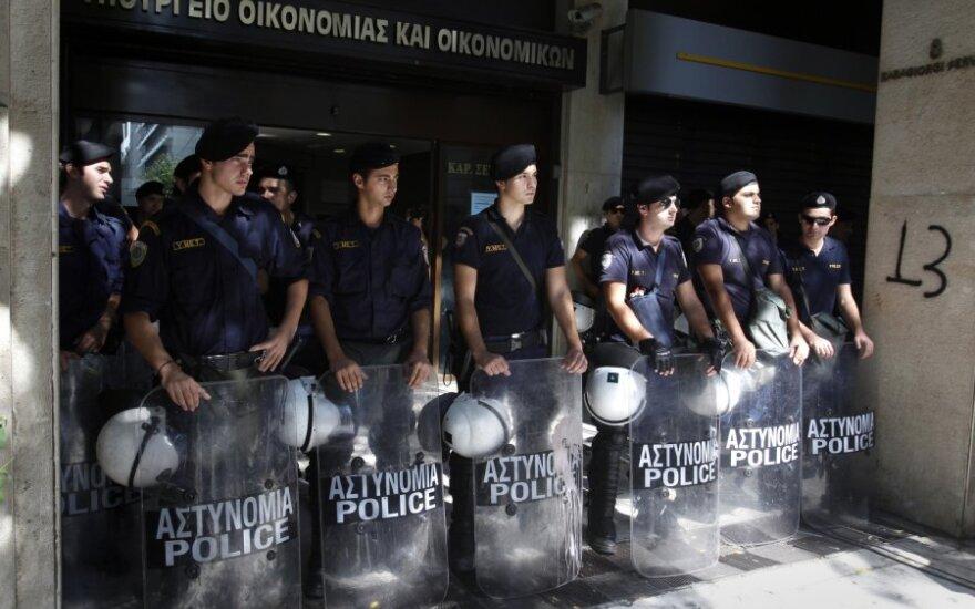 Graikijoje prie privačios televizijos redakcijos sprogo bomba