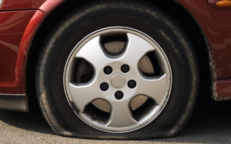 Statistika atskleidžia, kas dažniausiai genda naujesniuose automobiliuose