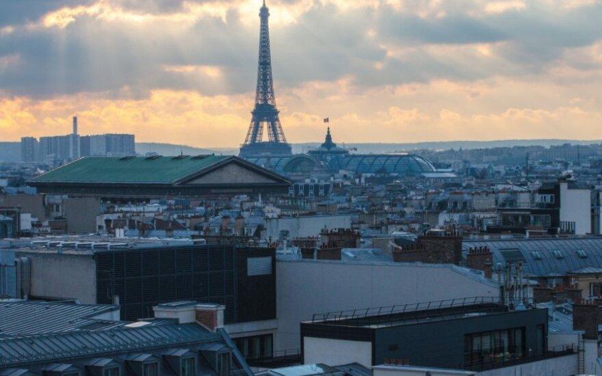 """Lietuvių bėdos Paryžiuje: buvome """"sudoroti"""" kaip silpni ir pažeidžiami turistai"""