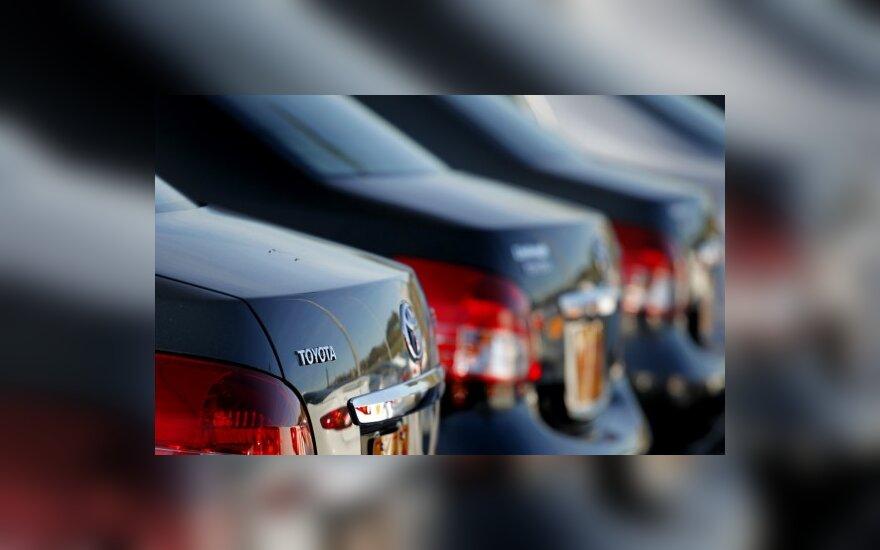 """""""Toyota"""" stabdo aštuonių modelių pardavimus JAV"""