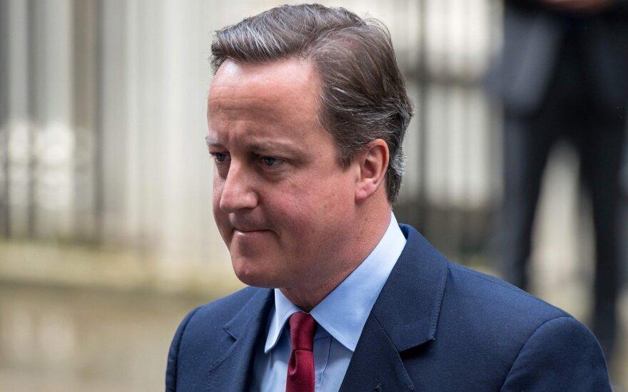 Cameronas pripažino nepatogią tiesą: prašė karalienės paveikti referendumo rezultatus