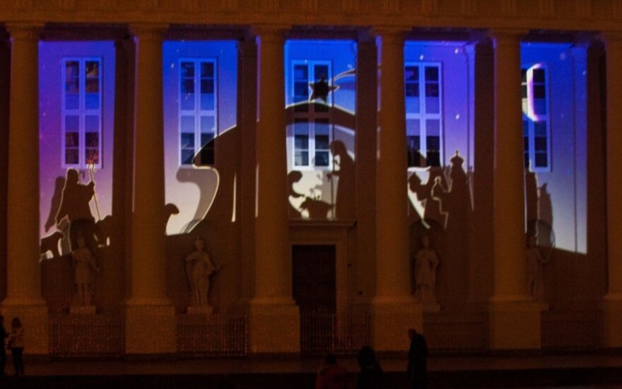 Vilnius celebrates Christmas with 3D fairytale projected on Cathedral façade