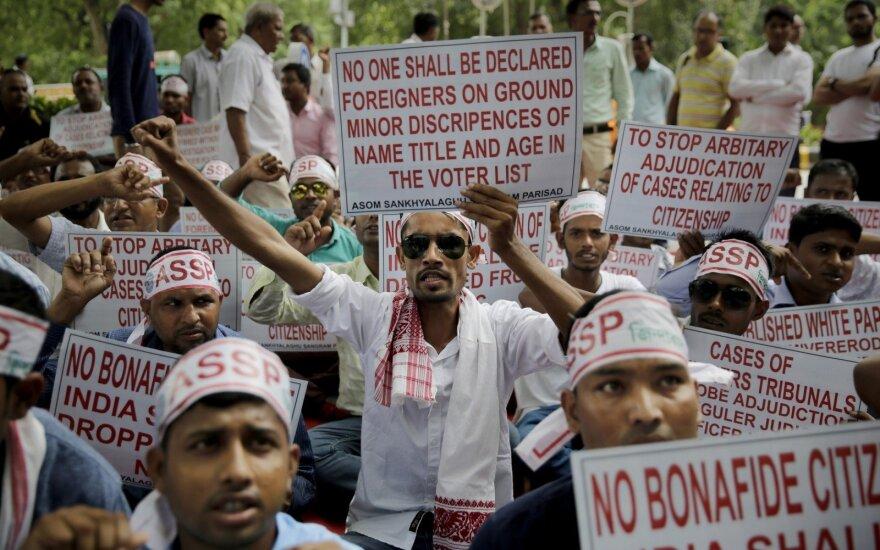 Bangladeše – policijos ir protestuotojų susirėmimai, skelbiama apie sužeistuosius