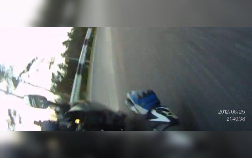 Krytis nuo motociklo