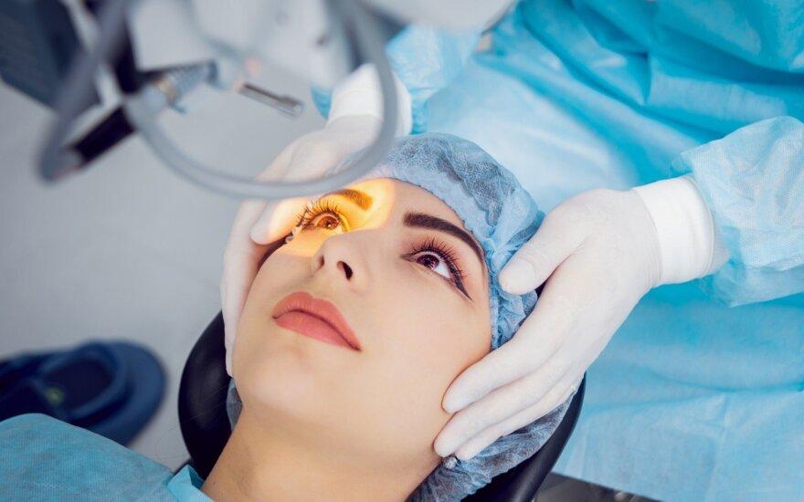 Akių korekcija lazeriu