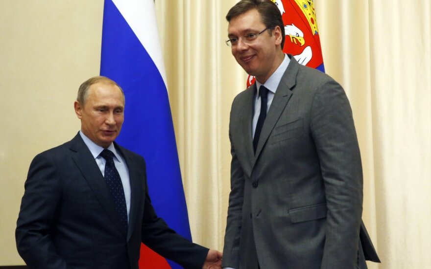 Vladimiras Putinas, Aleksandras Vučičius