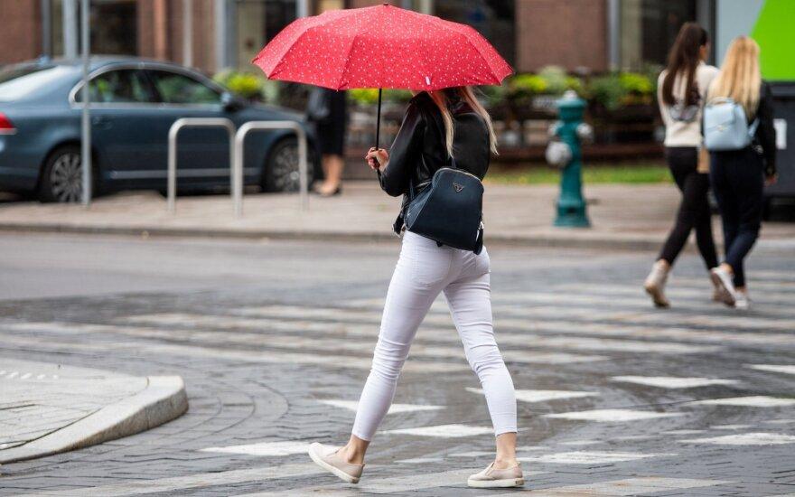 Kitos savaitės orų prognozė: bus šilta, tačiau neišvengsime kritulių