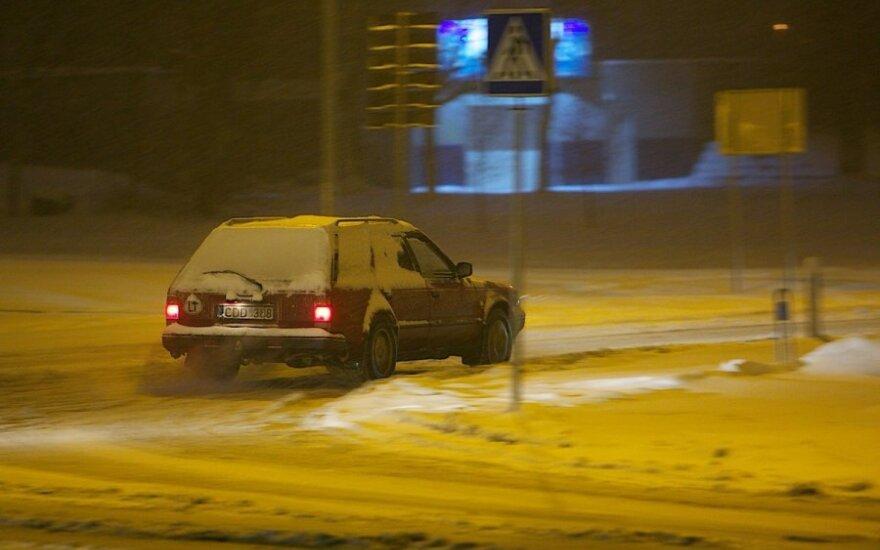 Sugrįžo žiema: eismo sąlygos – sudėtingos