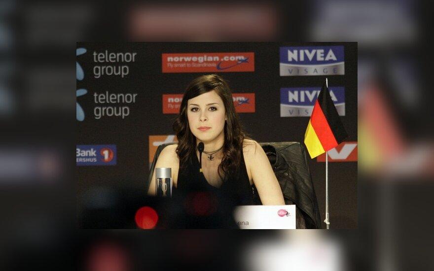 Pasišaipiusi iš žurnalistų įnoringoji Vokietijos atstovė pakurstė aistras