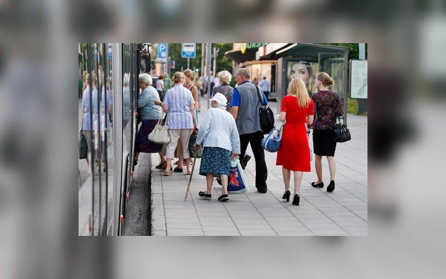 Nuo šiol į sostinės viešąjį transportą – tik pro priekines duris